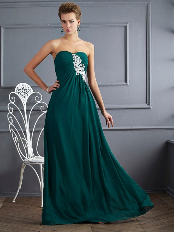 Stylish Sheath Sweetheart Sleeveless Long Chiffon Dress