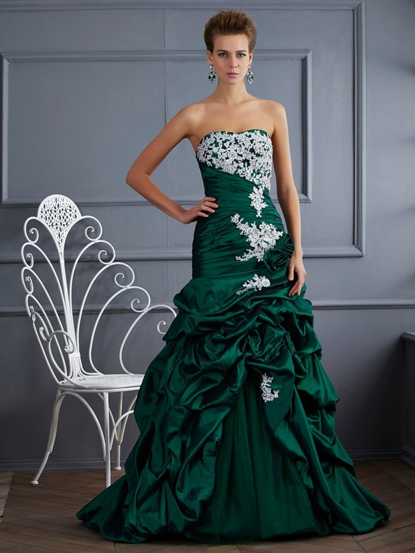 Stylish Ball Gown Strapless Sleeveless Long Taffeta Quinceanera Dress