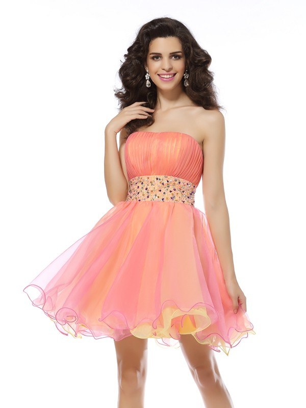 Exquisite A-Line Strapless Sleeveless Short Organza Cocktail Dress