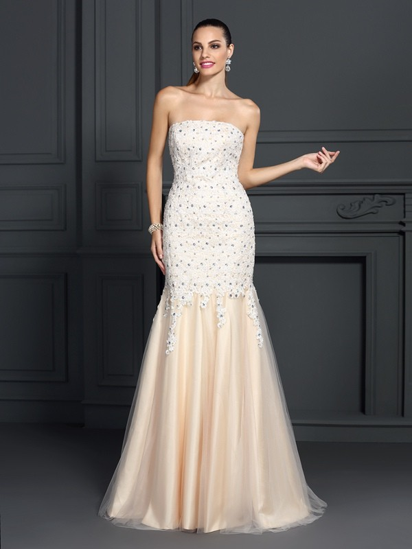 Exquisite Mermaid Strapless Lace Sleeveless Long Satin Dress
