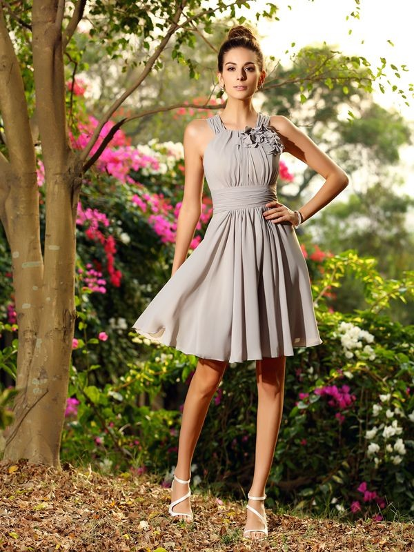 Charming A-Line Scoop Sleeveless Short Chiffon Bridesmaid Dress