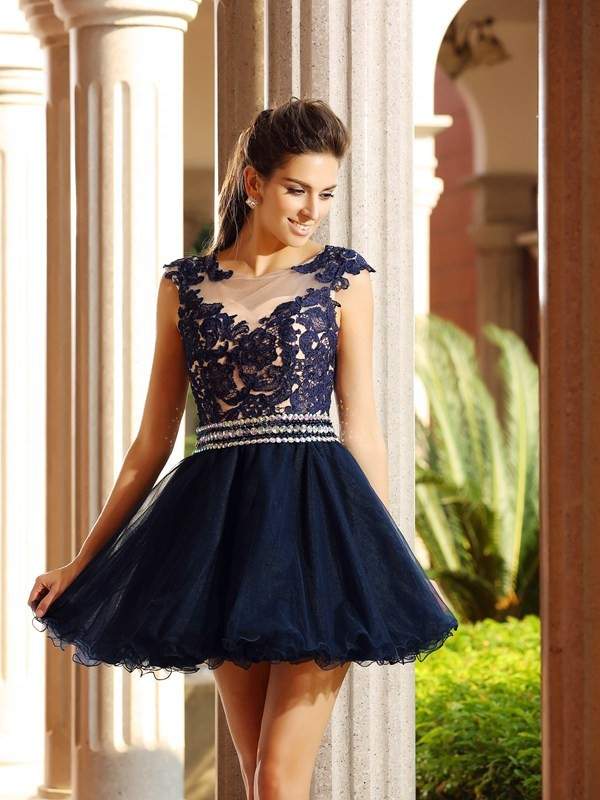 Charming A-Line Scoop Sleeveless Short Tulle Cocktail Dress