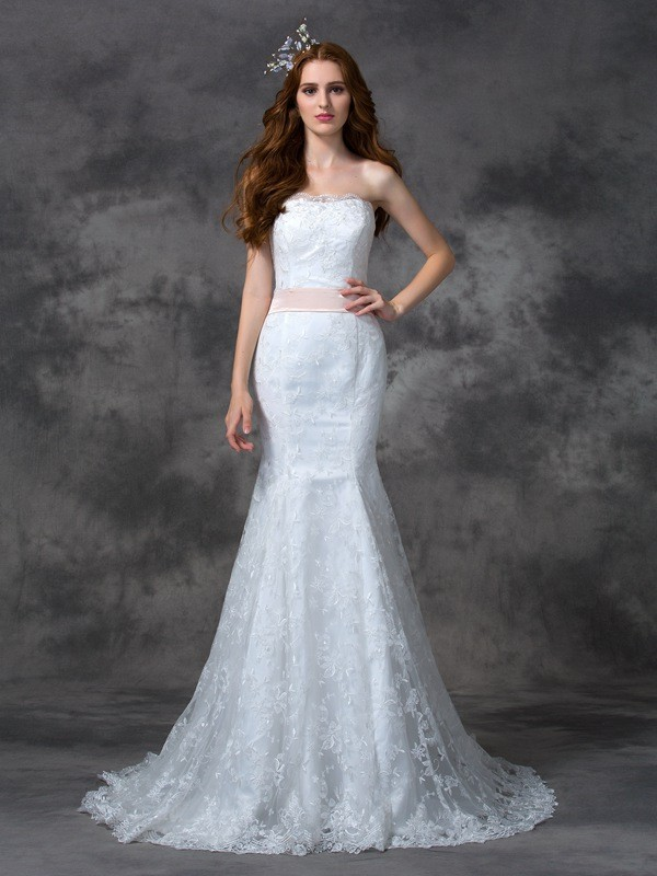Nice Mermaid Strapless Sleeveless Long Lace Wedding Dress