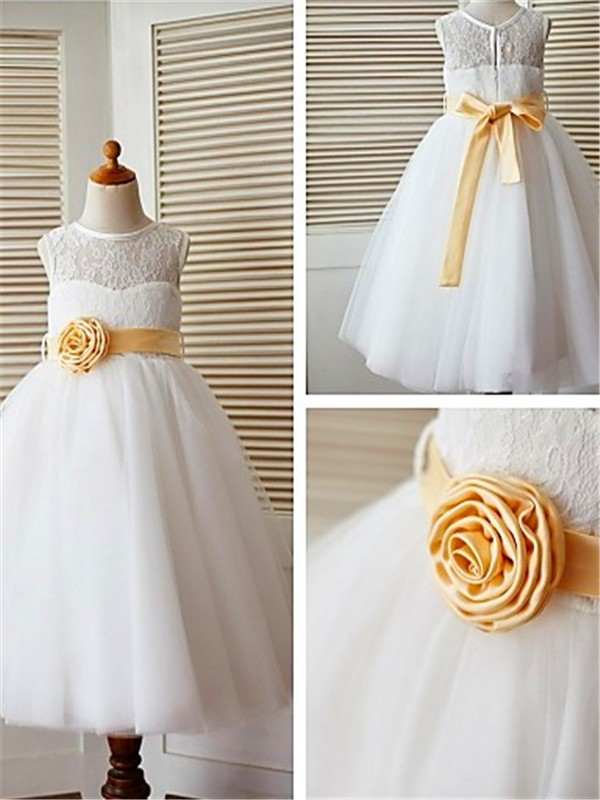 Stunning A-line Tea-Length Scoop Lace Sleeveless Tulle Flower Girl Dress