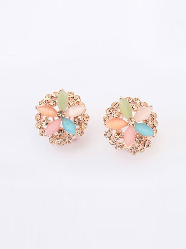 Gorgeous Occident Five Flowers Exquisite Ear Clip