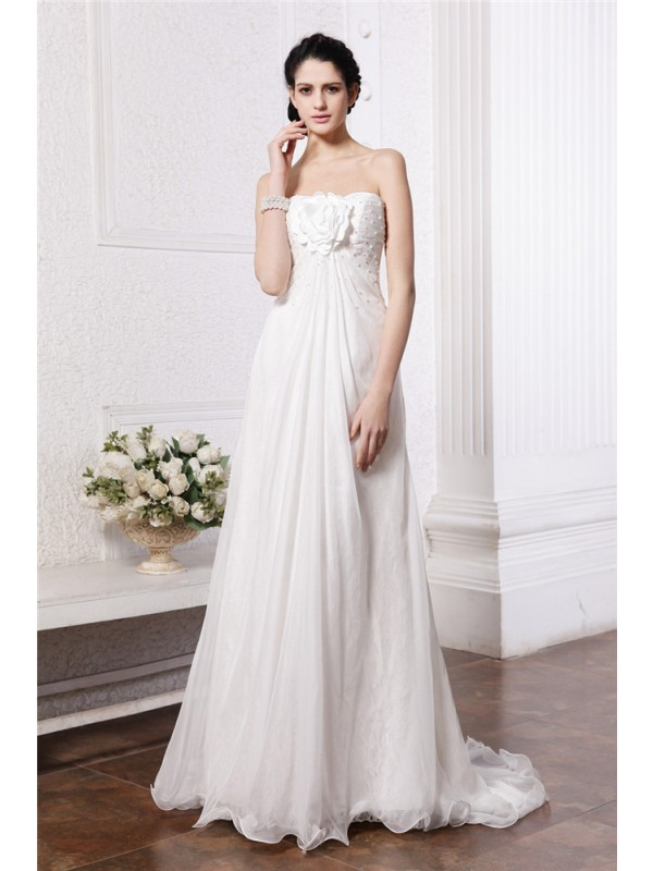 Beautiful A-Line Strapless Sleeveless Long Chiffon Wedding Dress