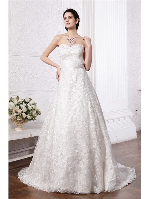 Beautiful A-Line Sweetheart Sleeveless Sash Long Lace Wedding Dress
