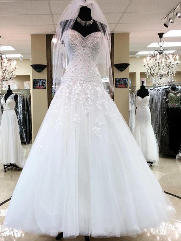 Perfect Ball Gown Sleeveless Sweetheart Tulle Floor-Length Wedding Dress