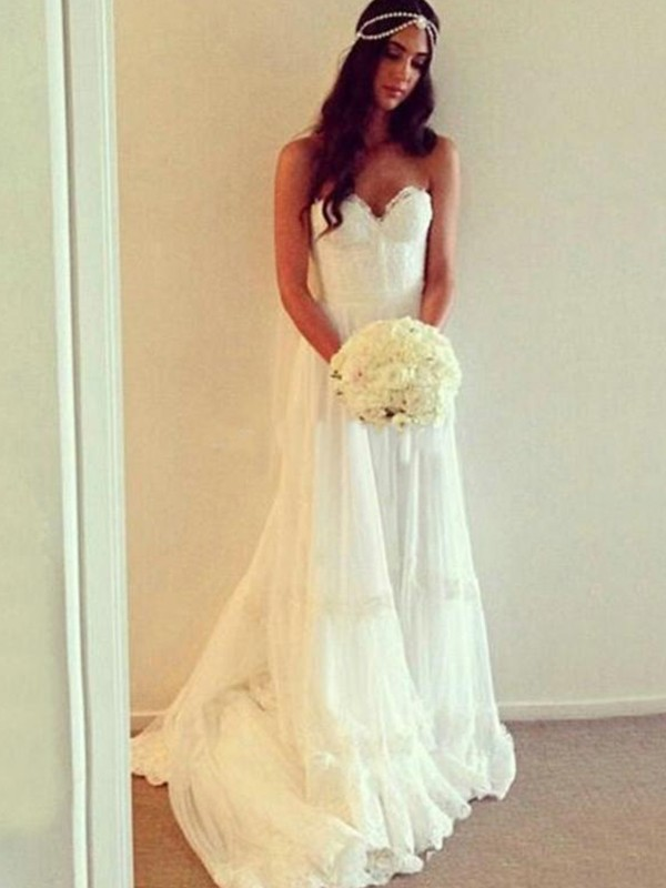 Cheap A-Line Sweetheart Sleeveless Tulle Lace Court Train Wedding Dress