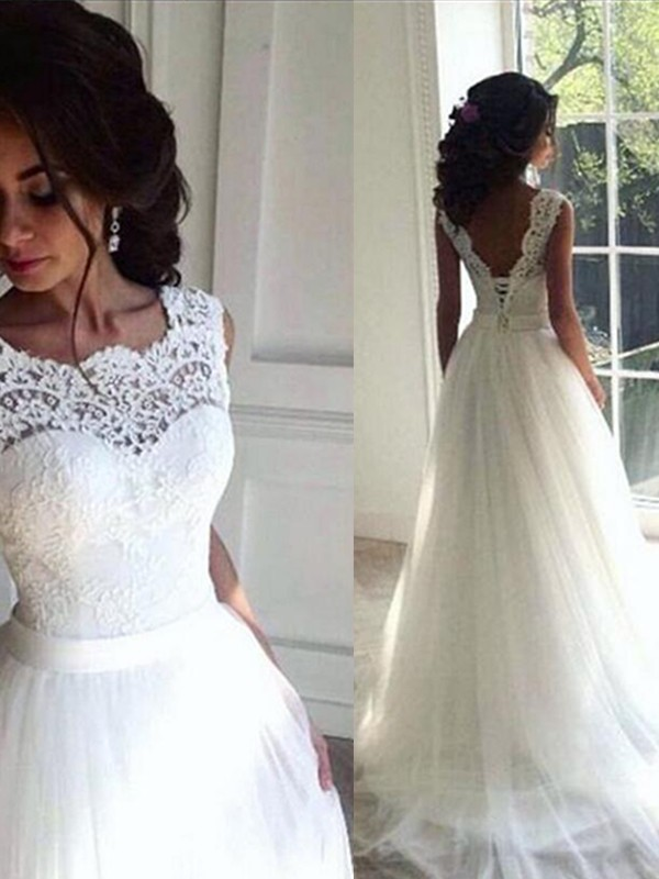 Stunning A-Line Lace Tulle Bateau Sleeveless Sweep/Brush Train Wedding Dress