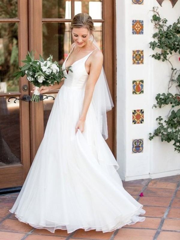 Charming A-Line V-neck Sleeveless Sweep/Brush Train Tulle Wedding Dress