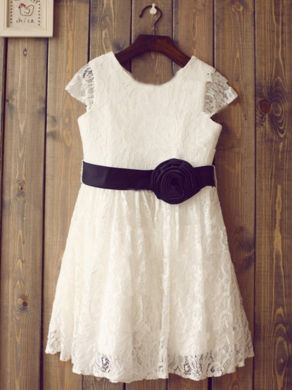 Perfect A-line Scoop Short Sleeves Tea-length Lace Flower Girl Dress