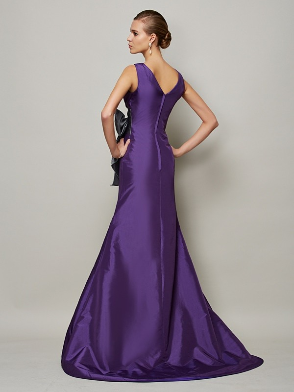 Chic A-Line V-neck Sleeveless Long Taffeta Dress