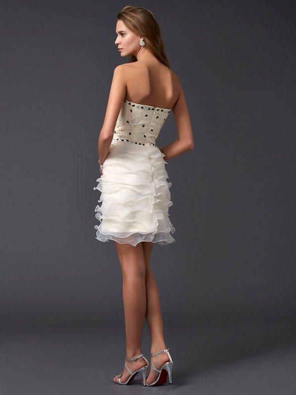 Chic Sheath Strapless Sleeveless Short Tulle Homecoming Dress