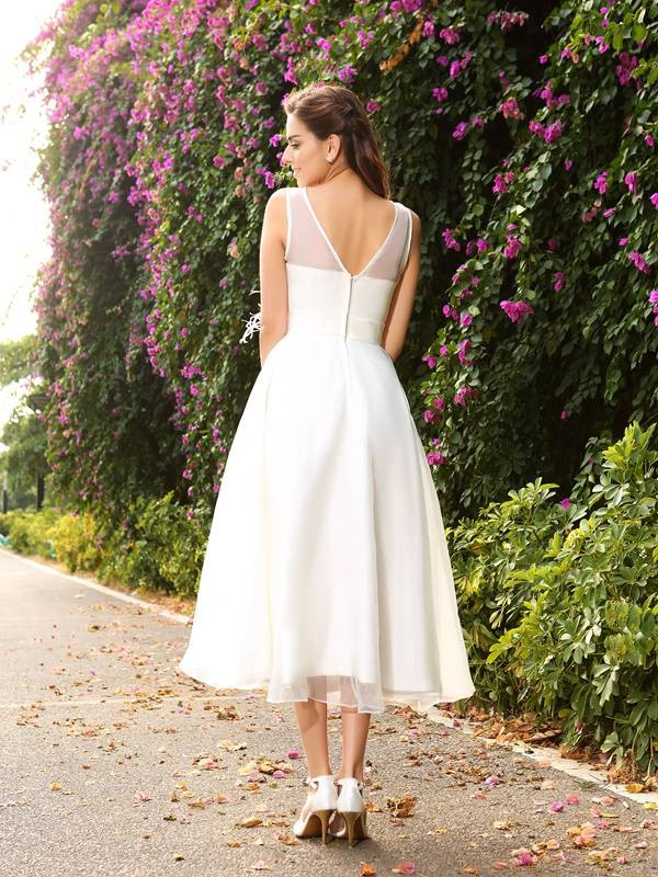 Exquisite A-Line Bateau Sleeveless Long Satin Wedding Dress
