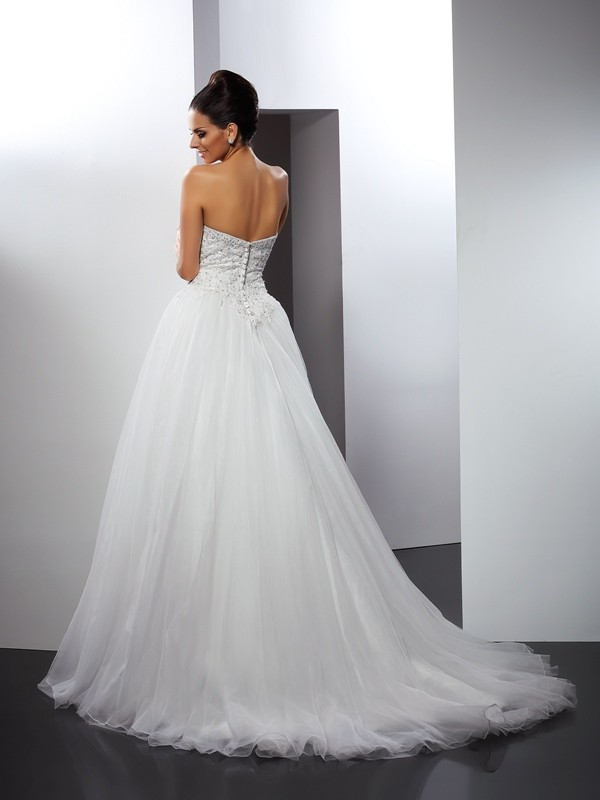 Exquisite A-Line Sweetheart Sleeveless Long Net Wedding Dress