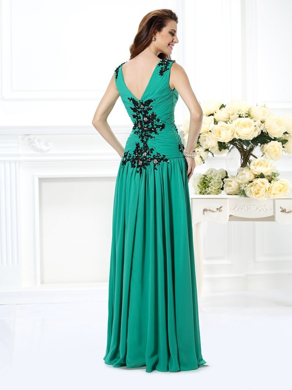 Exquisite A-Line V-neck Sleeveless Long Chiffon Dress