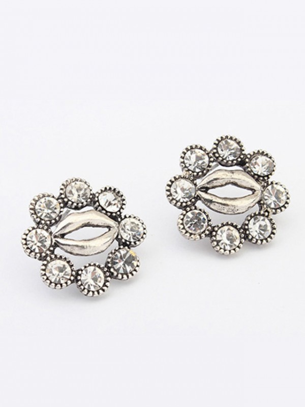 Chic Occident Metallic Personality Hyperbolic Lips Stud Earrings