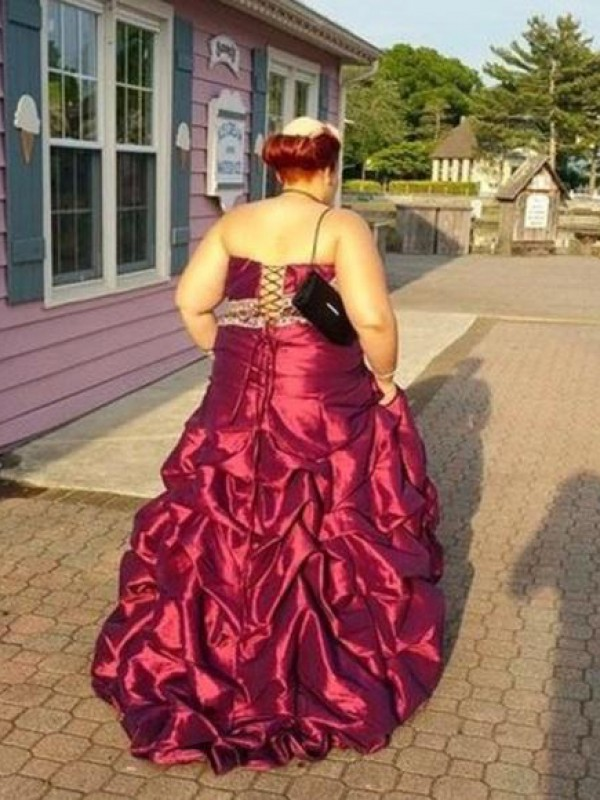 Charming A-Line Strapless Sleeveless Floor-Length Taffeta Plus Size Dress