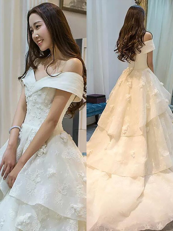 Exquisite Ball Gown Tulle Sleeveless Court Train Off-the-Shoulder Wedding Dress