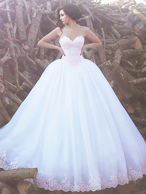 Exquisite Ball Gown Sleeveless Sweetheart Sweep/Brush Train Organza Wedding Dress