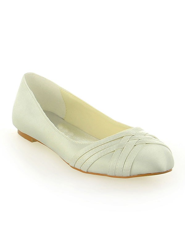 Classical Women Satin Closed Toe Flat Heel Ivory Wedding Shoes
