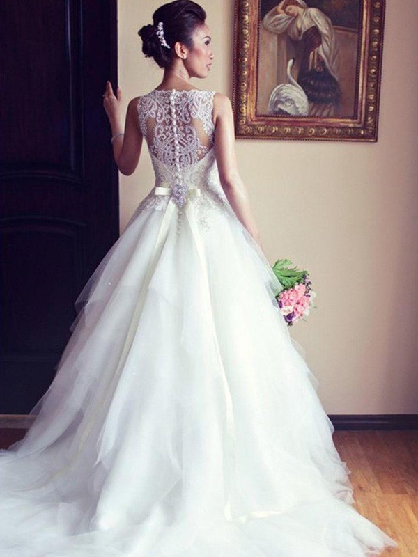 Cheap A-Line Sleeveless Scoop Chapel Train Lace Tulle Wedding Dress