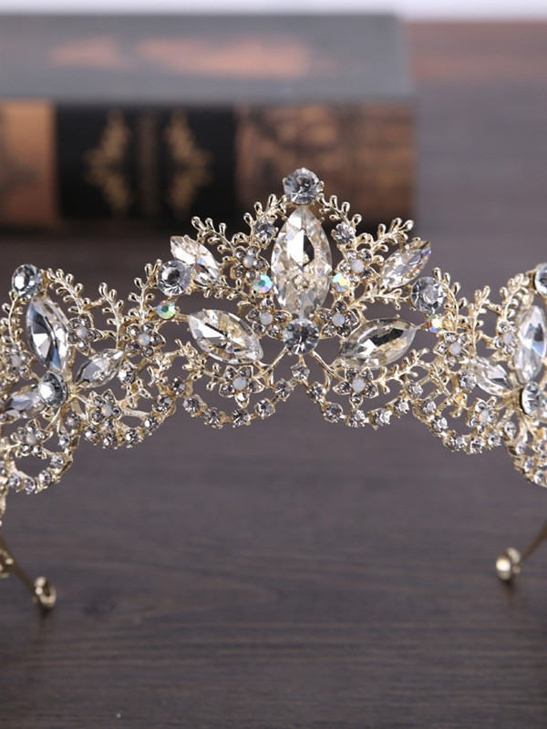Exquisite Crystal Headpiece
